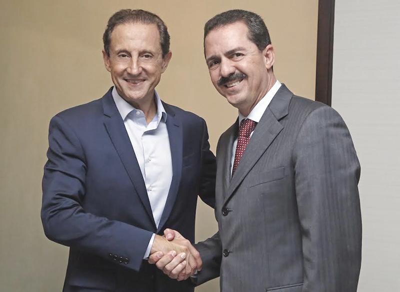 São Paulo - SP, 11 de Março de 2015 - O Presidente da Fiesp, Paulo Skaf, recebe a visita do Deputado Estadual, Itamar Borges.Foto: Ayrton Vignola